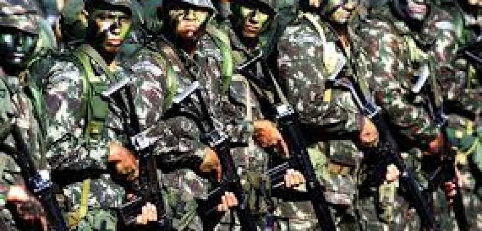 Junta Militar espera  jovens para  alistamento militar obrigatório