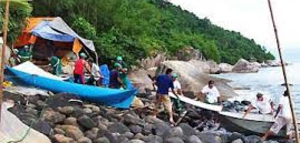 Prefeitura entrega donativos à comunidade da ilha Montão de Trigo