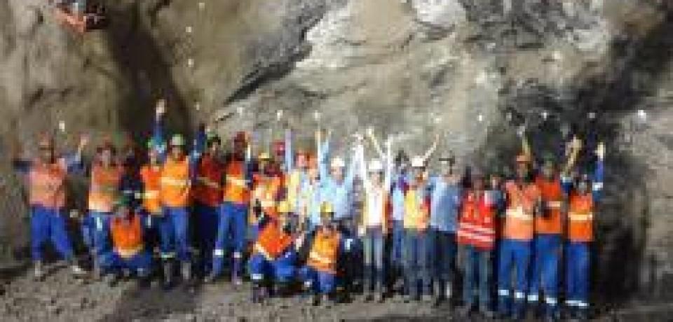 Primeiro quilômetro de túnel é concluído em São Sebastião