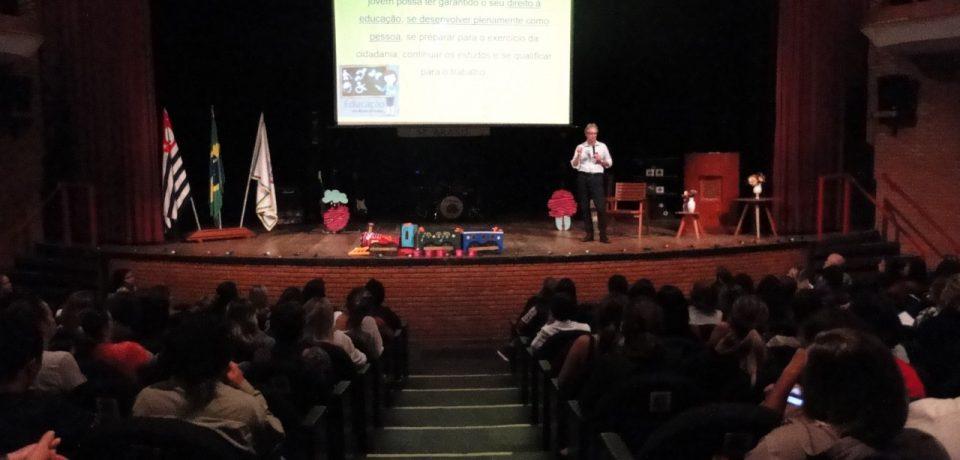Primeira Jornada Pedagógica de São Sebastião reúne grandes profissionais da educação nacional