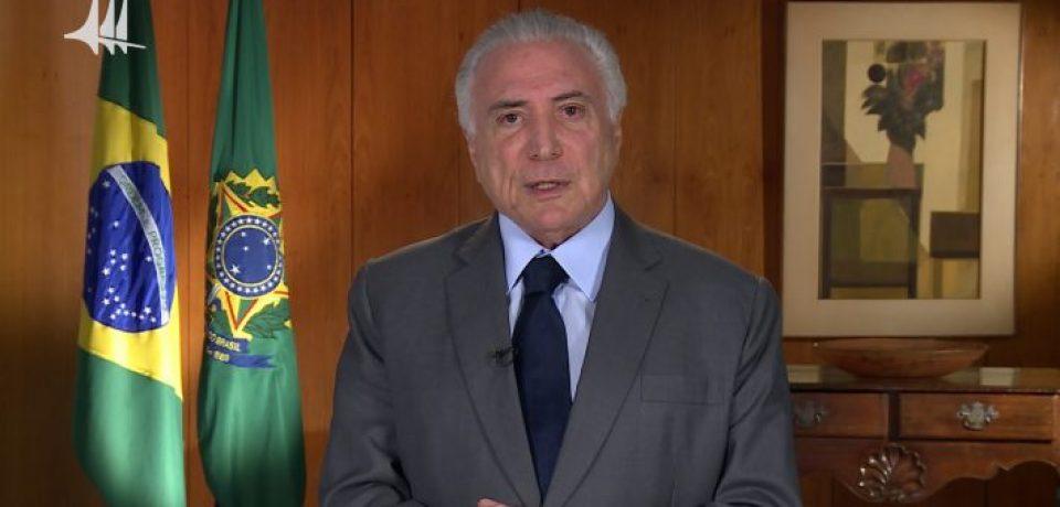 Michel Temer entrega títulos fundiários em Caraguatatuba