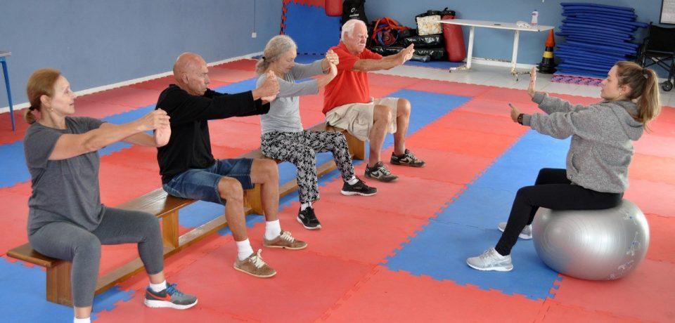Secretaria de Esportes oferece aulas de alongamento para a terceira idade