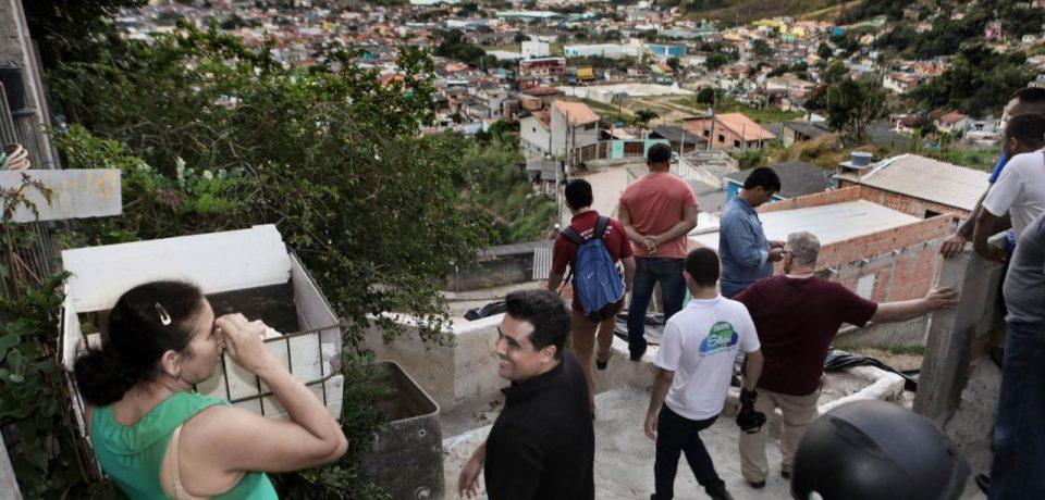 Prefeito Felipe Augusto percorre bairros para organizar obras de pavimentação