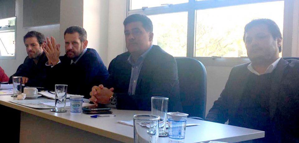 Prefeito Felipe Augusto solicita ao Governo do Estado mudanças nas normas do setor pesqueiro