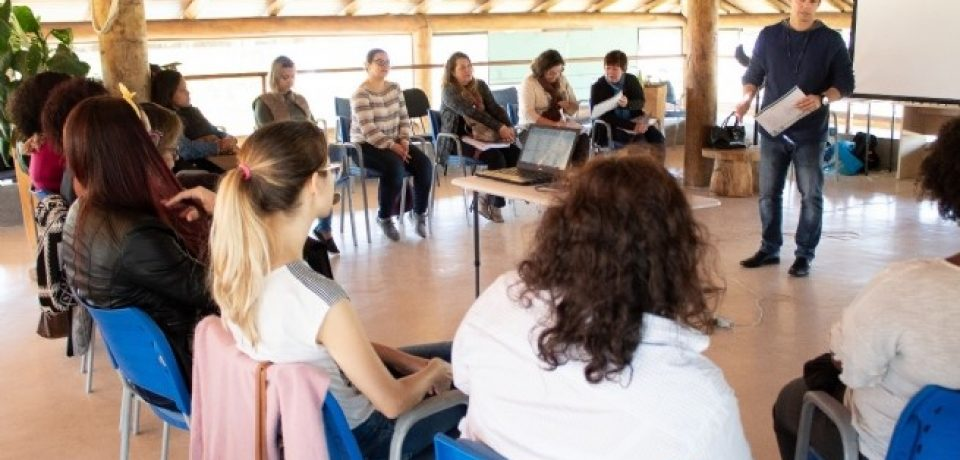 Prefeitura de São Sebastião realiza fórum para elaboração de normas às pessoas em situação de violência.